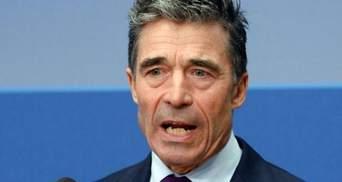 Генсек НАТО призвал Россию остановить поток оружия и боевиков в Украину