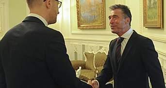 Арсеній Яценюк зустрівся з Генеральним секретарем НАТО