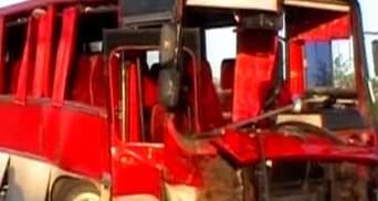 На Волині автомобіль зіткнувся з автобусом, одна людина загинула