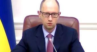 Кабмін пропонує йти до членства в НАТО, Расмусен запевняє – Україна має шанс
