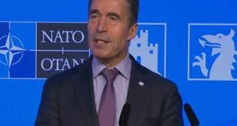 Якщо хтось подумає про напад на союзника — зустрінеться з НАТО, — Расмуссен