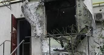 Фото тижня: одесити копають окопи, офіс волонтерів обстріляли