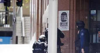 В центре Сиднея исламисты захватили заложников: эвакуированы тысячи людей