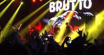 У Києві BRUTTO відіграли концерт. Перед початком зібралася півкілометрова черга фанатів