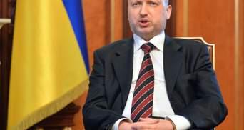 Турчинов заверил, что боевики не смогут прорваться в Мариуполь