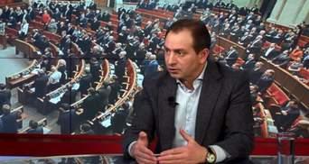 Парламент с журналистами и комбатами выглядит симпатично, но это не ток-шоу, — Томенко