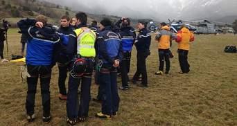Яценюк и Гройсман выразили соболезнования в связи с катастрофой самолета на юге Франции