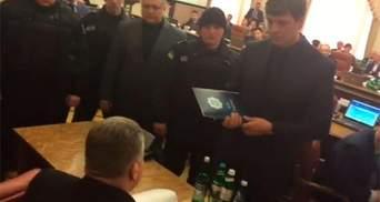 Как арестовывали руководителей Госслужбы по чрезвычайным ситуациям