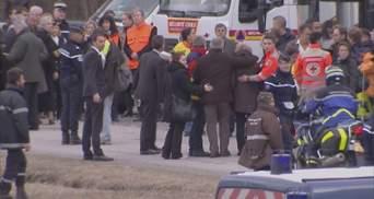 Родственники погибших в катастрофе лайнера А320 приехали на место аварии