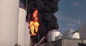 Пожежа на нафтобазі могла статися при перекачуванні нафти, — МВС