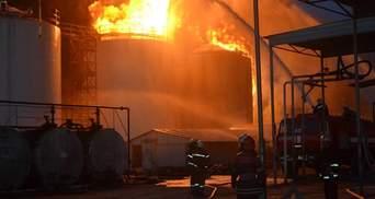 Пожежа на нафтосховищі під Києвом спалахнула з новою силою