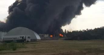 Жахливі вибухи і займання пожежних машин: з'явилося відео з пожежі у Василькові