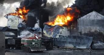 Пожежа під Києвом: Горить одна цистерна