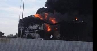 Пожежа під Києвом: є загроза чергового вибуху