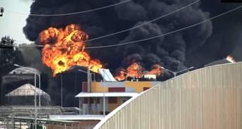 Пожежу під Києвом досі не погасили