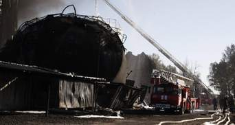 Пожежа під Києвом заспокоюється: фото тліючої катастрофи