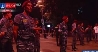 """Полиция может разогнать армянский """"Майдан"""" под утро, — журналист"""