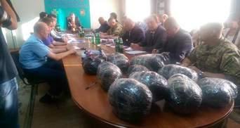 Порошенко и Москалю показали контрабанду в Мукачево