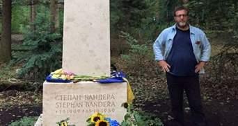 Російський екс-віце-прем'єр здійснив паломництво на могилу Бандери