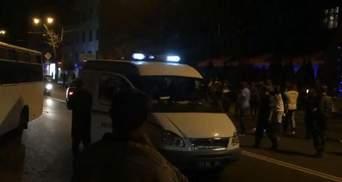 Массовая драка в Харькове: ночью иностранцы подрались с таксистами