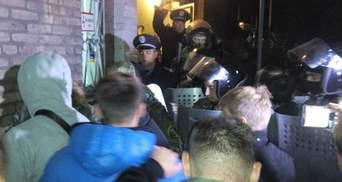 Участники выборов в Мариуполе пошли на штурм типографии