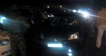 В Мариуполе волонтер сбила милиционера