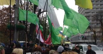 Мітингарі УКРОПу йдуть з-під Ради: прямують до Аскольдової могили