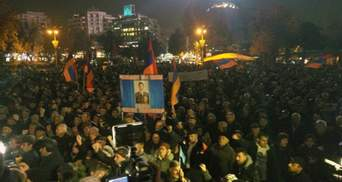 Протесты в Армении: активисты объявили бессрочную сидячую забастовку