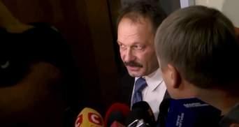 Барна рассказал, что хотел продемонстрировать Яценюку