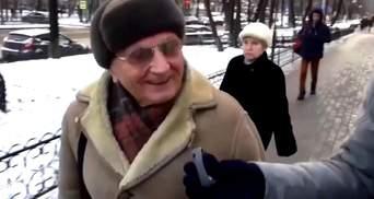 Похвалив би важкою палицею, — москвич про роботу уряду Росії