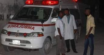 Напад на ресторани в Сомалі: десятки загиблих і поранених (18+)