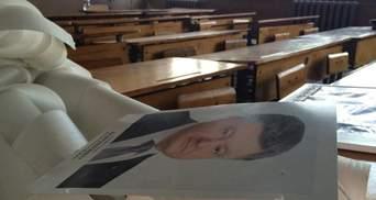 Из школ уберут фотографии Порошенко и министров