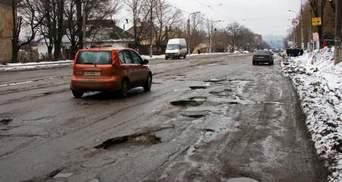 В уряді назвали суму, яку виділять на українські дороги