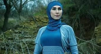 Женщина в хиджабе: чеченская снайпер, что воюет за Украину, поразила женственной фотосессией
