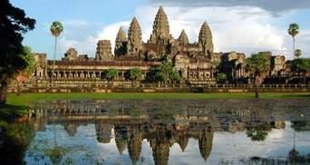 Села на воді та величні давні храми Камбоджі приваблюють туристів