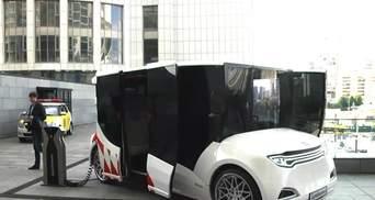 Украинский электромобиль-карету представили и в Киеве
