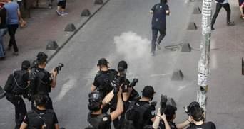 Марш секс-меньшинств жестоко разогнали в Стамбуле