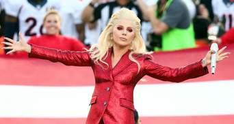 Эпатажнуа Леди Гага в Китае теперь под запретом