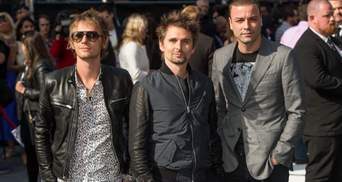 Як Кличко ледь не відірвав голову вокалісту Muse: з'явилось фото
