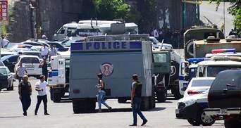 Спецоперация в Армении: все автомагистрали полиция взяла под контроль