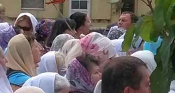 УПЦ МП просит участников хода не использовать политическую атрибутику