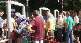 В Киеве пострадала участница крестного хода