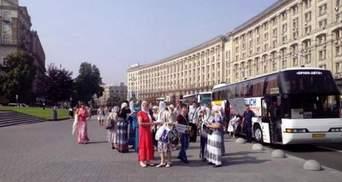 Крестный ход: первые автобусы с паломниками уже в Киеве, на Майдане – очереди