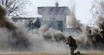 У мережі з'явилось відео шалених боїв під Мар'їнкою
