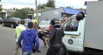 Самосуд над поліцейськими через вбивство місцевого жителя влаштували на Миколаївщині