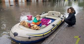 Одесити вже плавають до магазинів на човнах