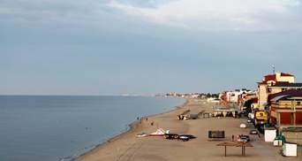 У курортній Затоці рейдери захоплюють величезний шматок місцевого пляжу, – жителі