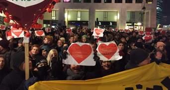 В Берлине требовали отставки Ангелы Меркель