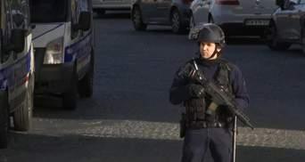 Теракт во Франции: из Лувра эвакуировали всех посетителей