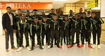 В Крым прилетели футболисты из Камеруна